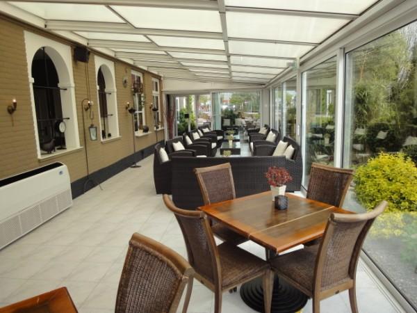 Grand caf restaurant met zaal serre terras bovenwoning en parkeerterrein steenbergen - Personeel inrichting slaapkamer ...